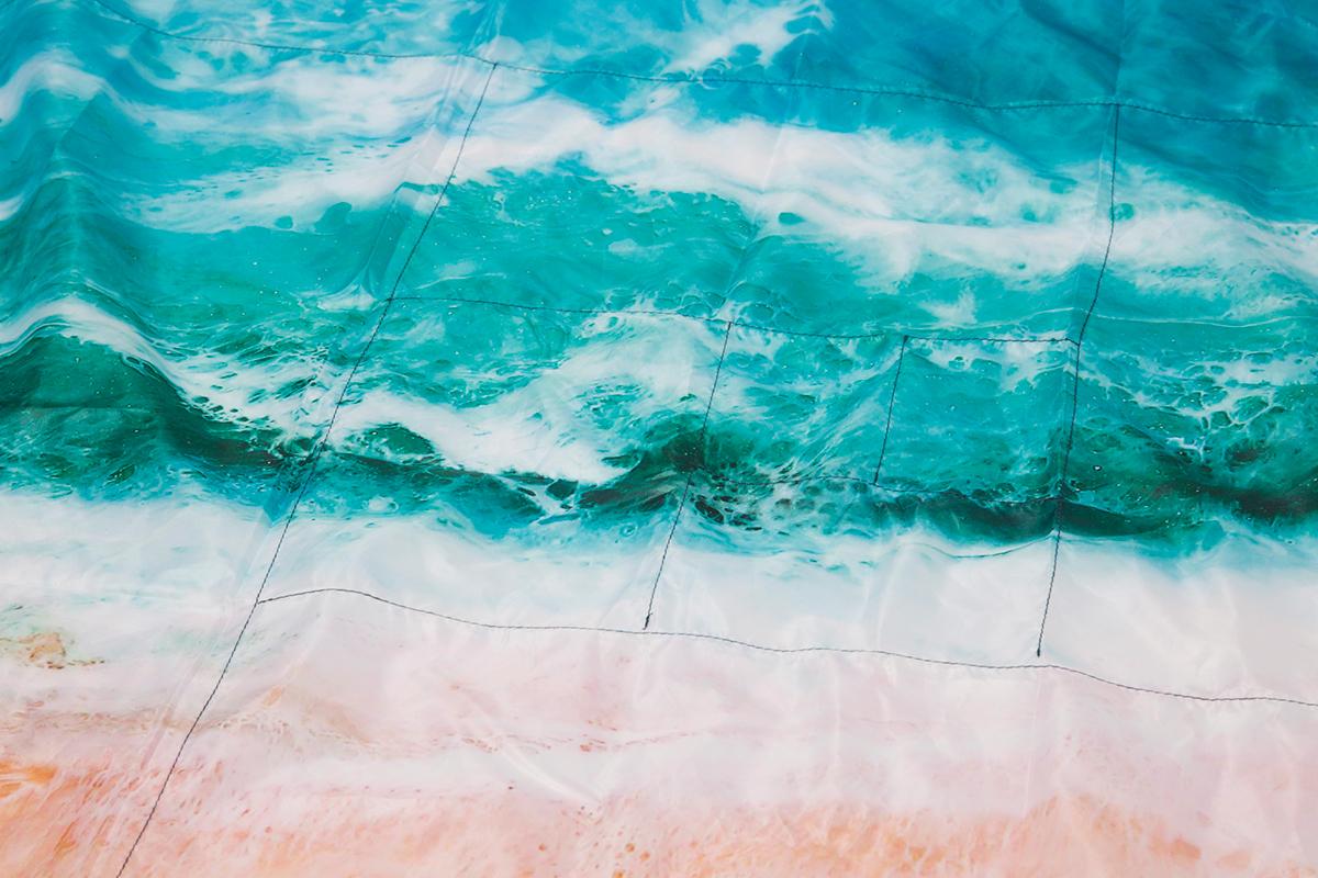 折りたたみガイド付き。広げるだけで、どこでもビーチ気分!手のひらサイズにたためる撥水仕様のレジャーシート「OCEAN」(夏限定) Matador POCKET BLANKET