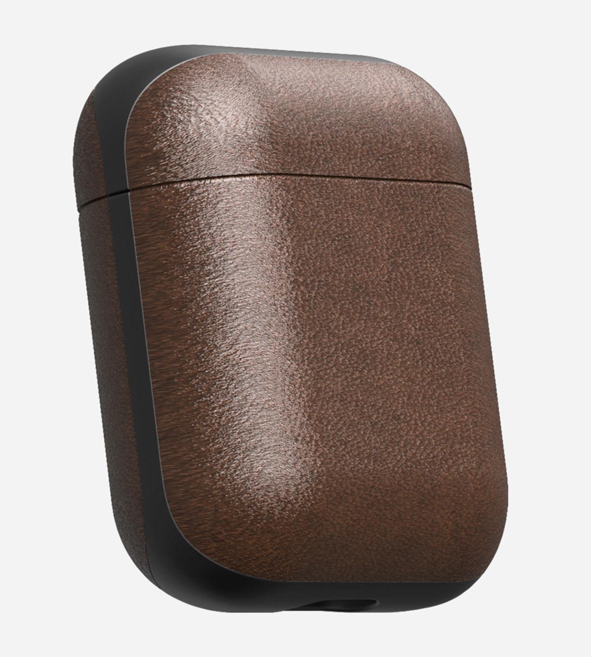 ひと目見ただけで上質と分かる、なめらかな質感の本革製の「AirPodsケース」  NOMAD