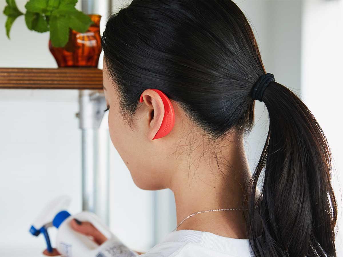 デジタル疲労を仕事や家事をしながら、耳にかけるだけで、ツライ不調をケア|ネオジム磁石で耳裏のツボを刺激。EARHOOK(イヤーフック)