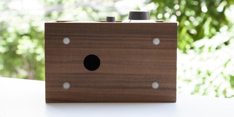 豊かな低音再生を実現するバスレフスピーカー|Tivoli Audio