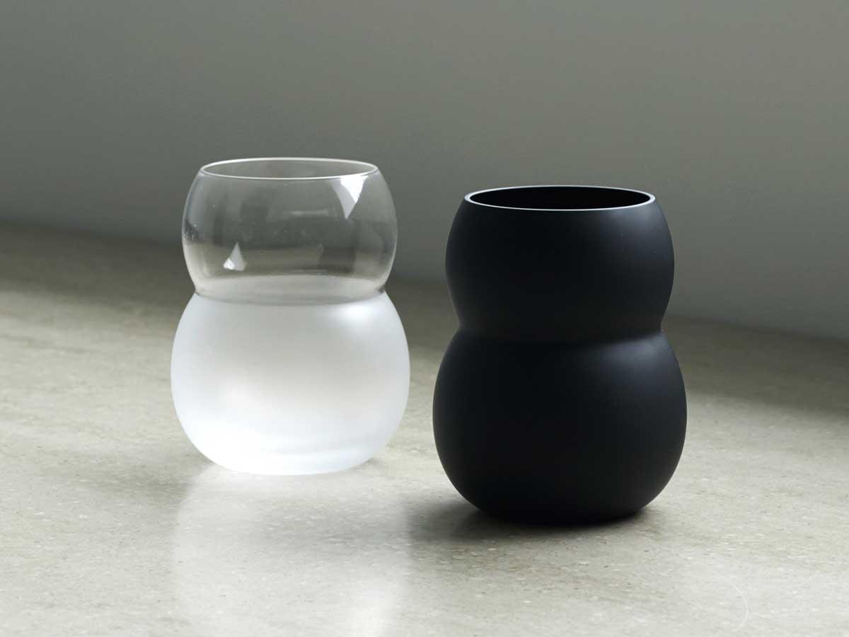 『双円』は、ひとつのカタチを異業種・異素材で展開するブランド『aete(アエテ)』によるもの。持ちやすさ、使いやすさ抜群。丸みとくびれのあるお洒落なデザイン|双円(そうえん)のグラス