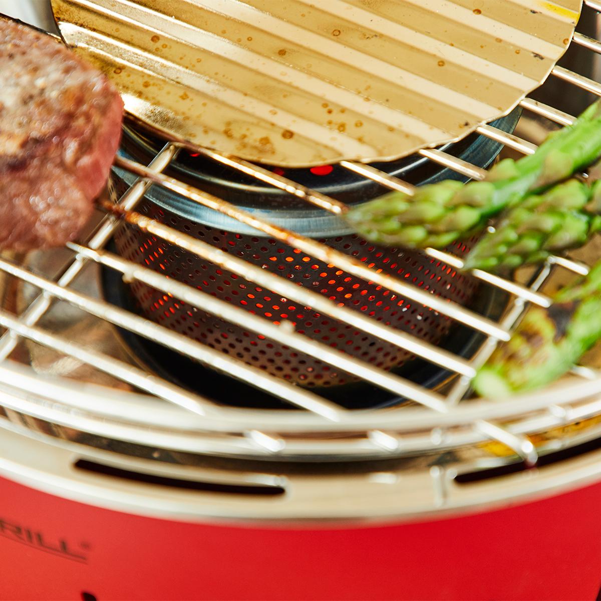 カンタン着火で、初心者でも安心。煙が少ない火力調節ファン付きロースターで、大人の気楽なBBQができる「炭火焼グリル」(一人キャンプ、ソロBBQに)|Lotus Grill