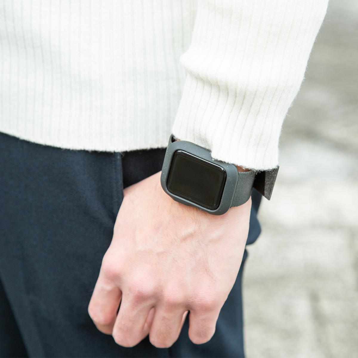 シンプルだから街でも使える。落下・衝撃・水濡れに強い、タフケース一体型Apple Watchバンド|LANDER Moab case+Band