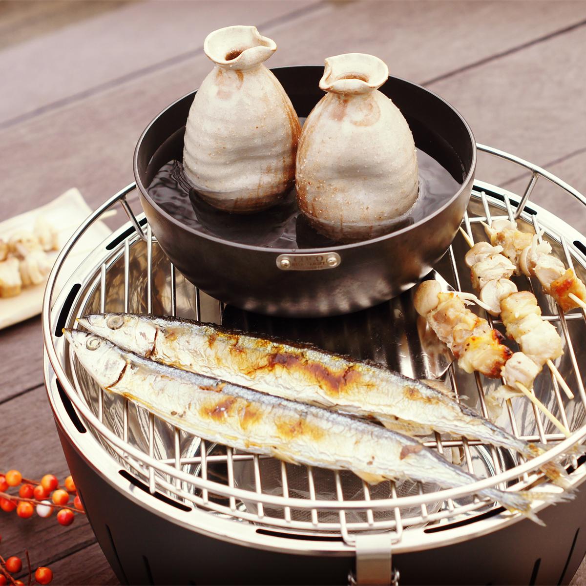 ふたり分の食材を焼けるサイズ感。グリルを挟んで大切な人とふたりでゆっくり晩酌したくなる「炭火焼グリル」(ミニサイズ、1人用・2人用)|Lotus Grill