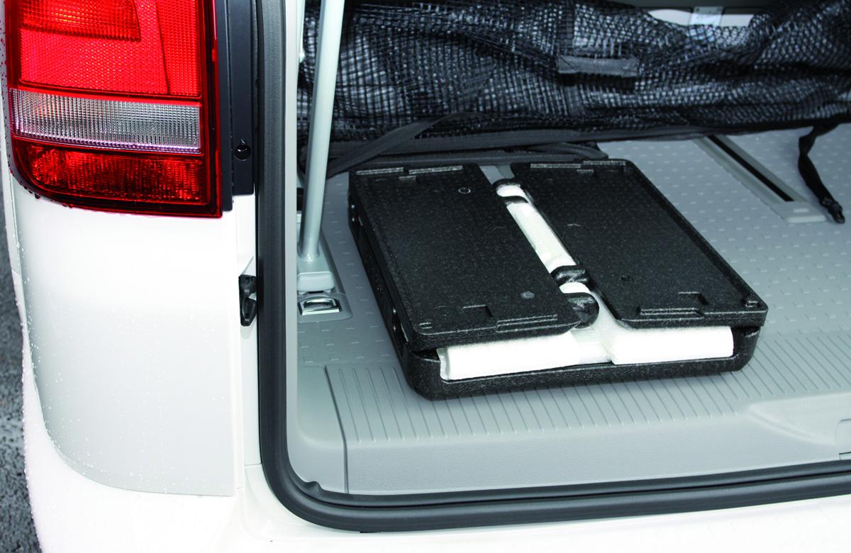 重ねて収納も可能、薄く折りたためるためかさばらないクーラーボックス|Flipbox