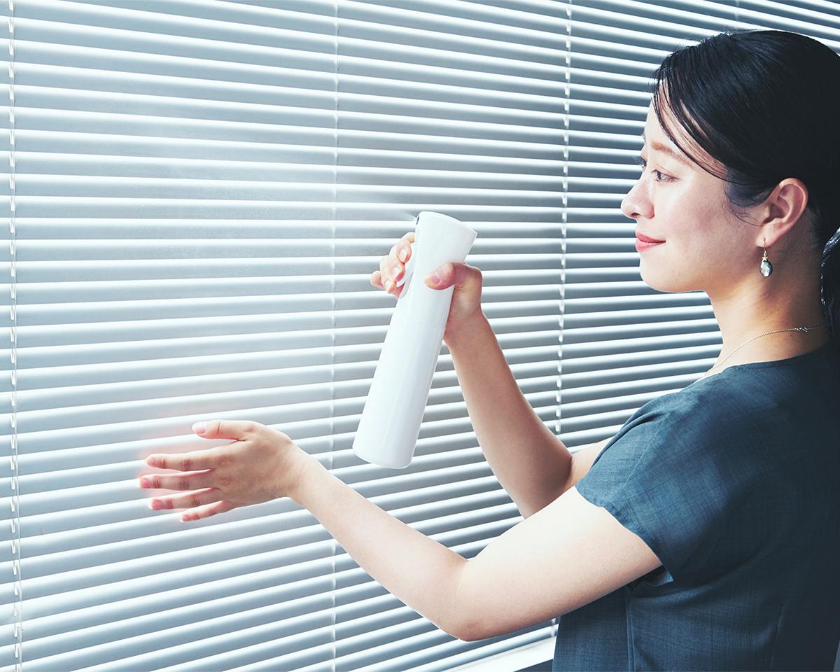 スプレーするだけで、汚れやすい部屋を、あらゆる細菌や汚れ、匂いから守る「抗菌ルーム」に仕上げてくれます。プロ級の抗菌コート!強い酸化力で、菌・カビ・匂いを分解する「マイクロミストスプレー」|CELSION(セルシオン)