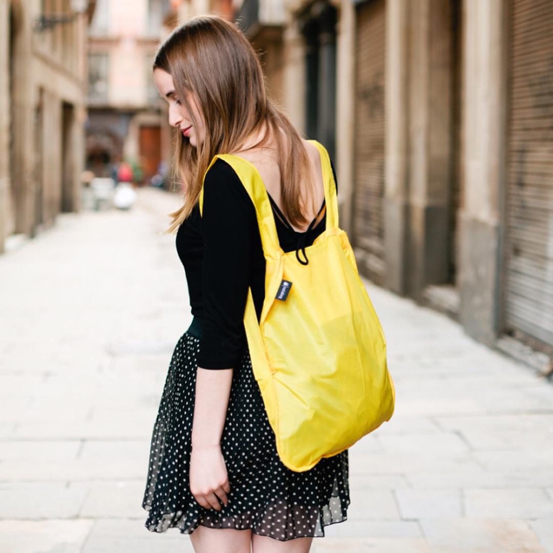 お洒落で洗練されたデザインとカラー。トートにリュックにすばやく変身する「変身エコバッグ」|notabag(ノット ア バッグ)