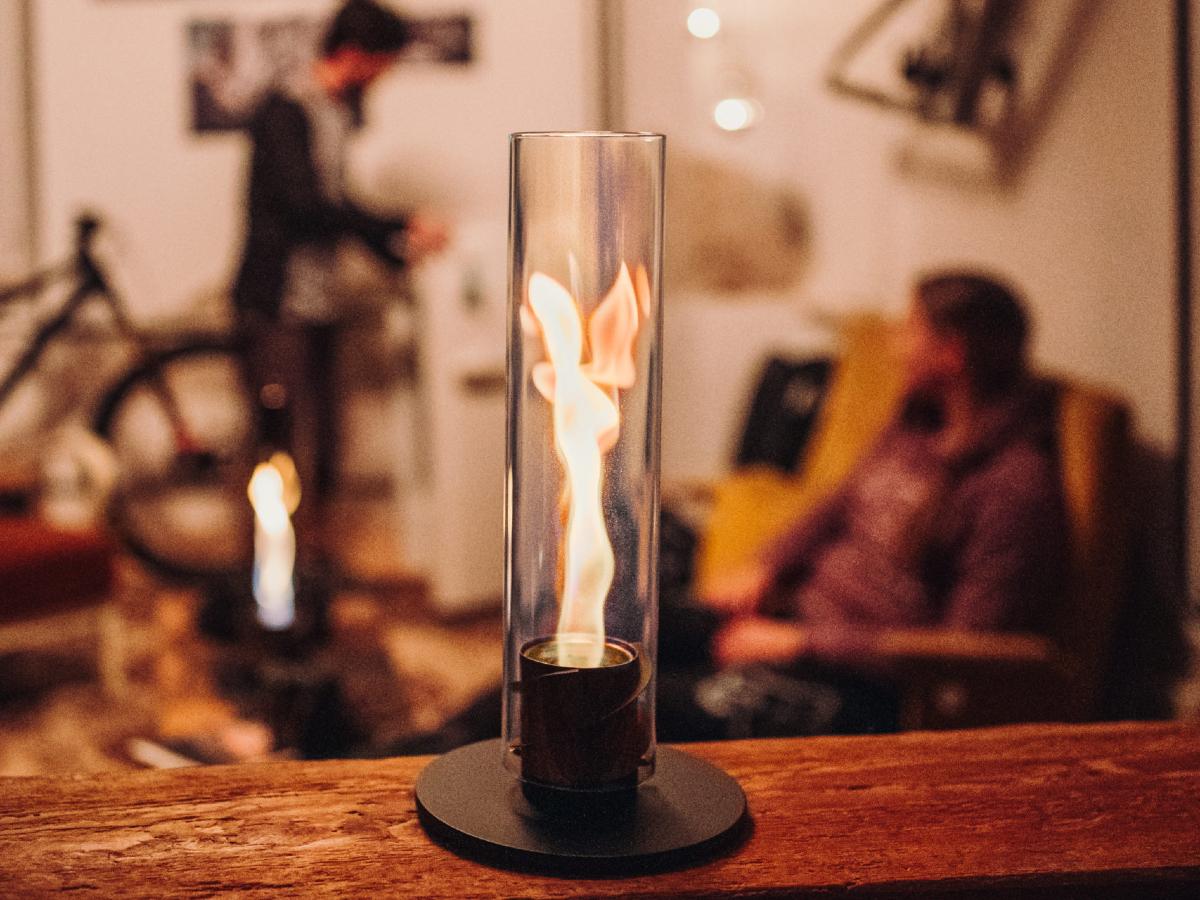 オプションパーツを取り付けることで、楽しみ方も広がります|風を取り込んで炎が5倍になる卓上焚き火、ニオイ・煙・燃えカスが出にくい専用バイオエタノール燃料つきランタン|Höfats(フォーファッツ)