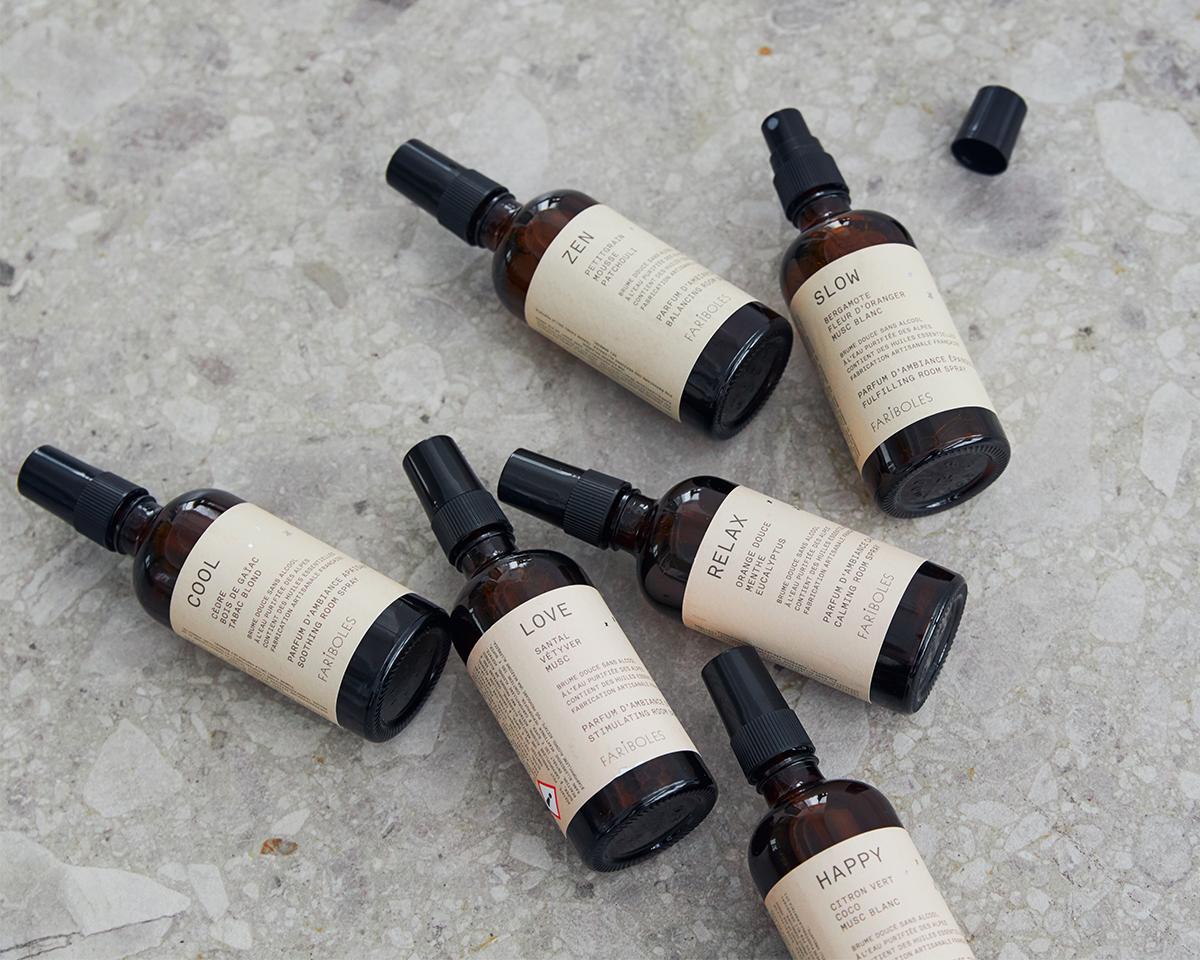 グラースの調香師たちと一緒に香りづくりを行っています。|南仏・グラース生まれのルームミストとキャンドル|FARIBOLES(ファリボレ)