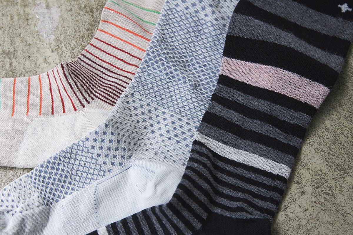 ファッションの一部として楽しめる色や柄がそろっています。夏は涼しく冬は暖かいメリノウールを使用した、血液やリンパの流れをサポートする着圧ソックス(健康ソックス・靴下)|Sockwell(ソックウェル)