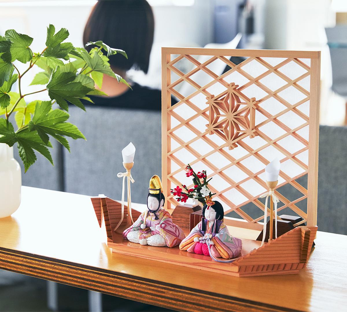 日本の伝統工芸が結集した、江戸木目込のプレミアム雛人形|柿沼東光(経済産業大臣認定伝統工芸士)× 大沼 敦(工業デザイナー)によるモダンな雛人形