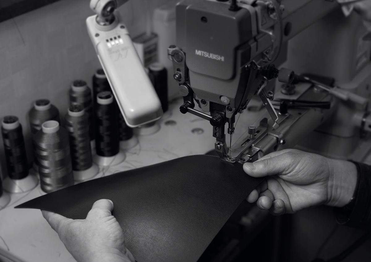 日本人視点の機能性や、素材へのこだわりをアップグレードし、ストレスフリーで、よりスマートなブランドにリニューアル|防水レザー、超軽量、直感ポケット付きの日本製レザーバッグ|PCバッグ・トートバッグ・リュック・バックパック|FARO(ファーロ)