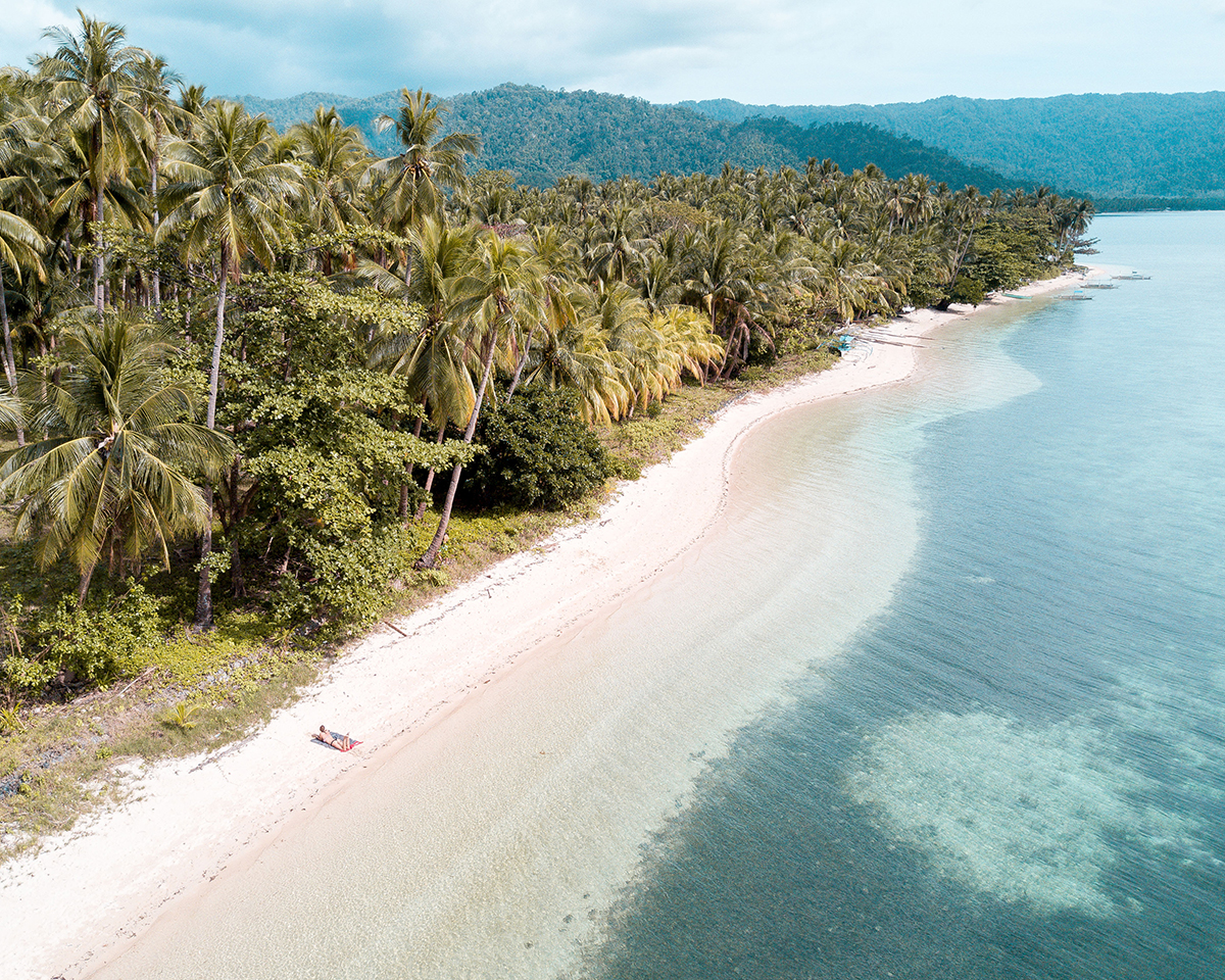 地球への恩返しができる。広げるだけで、どこでもビーチ気分!手のひらサイズにたためる撥水仕様のレジャーシート「OCEAN」(夏限定) Matador POCKET BLANKET