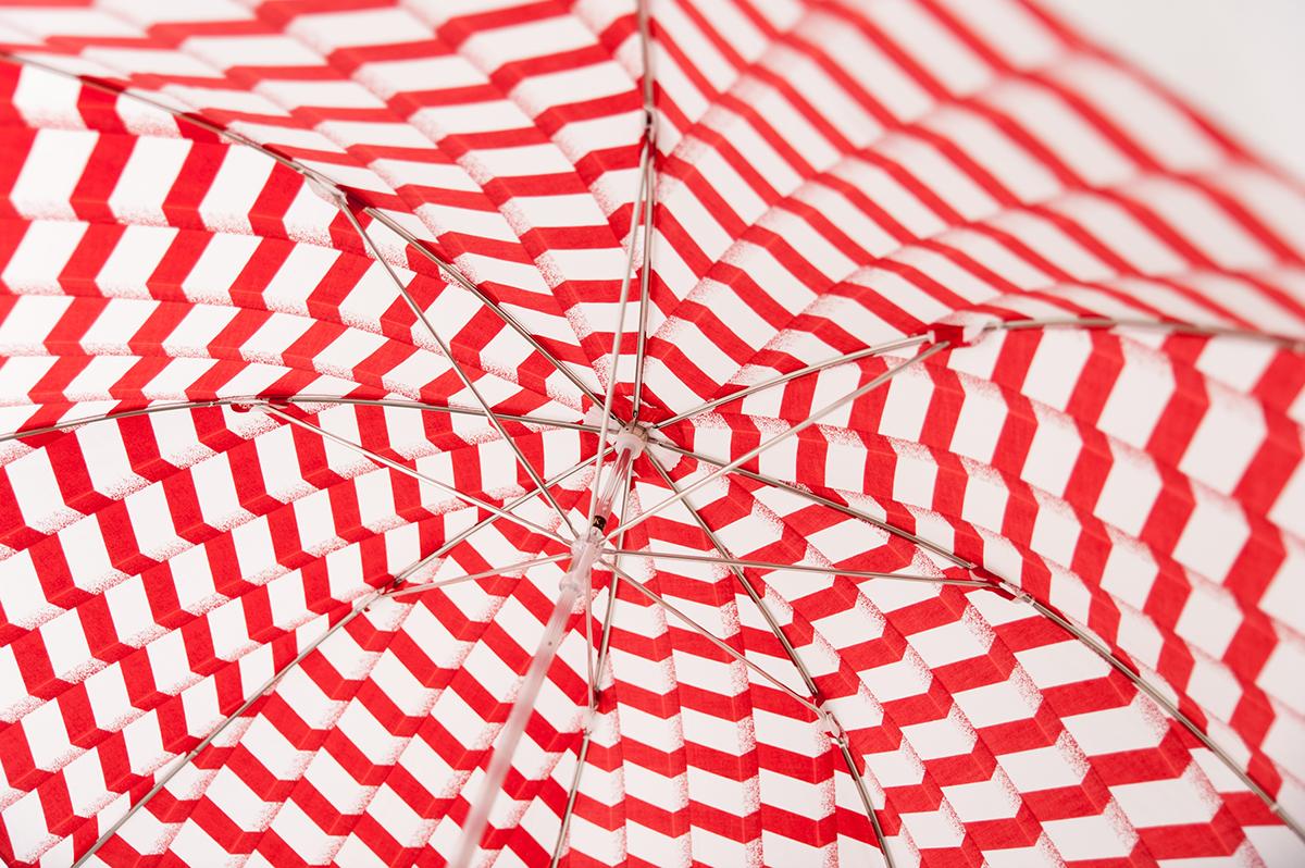上質なデザイン、大人かわいい、オシャレな  Bon Bon Store の晴雨兼用傘のこだわりの生地(レディース 日本製)