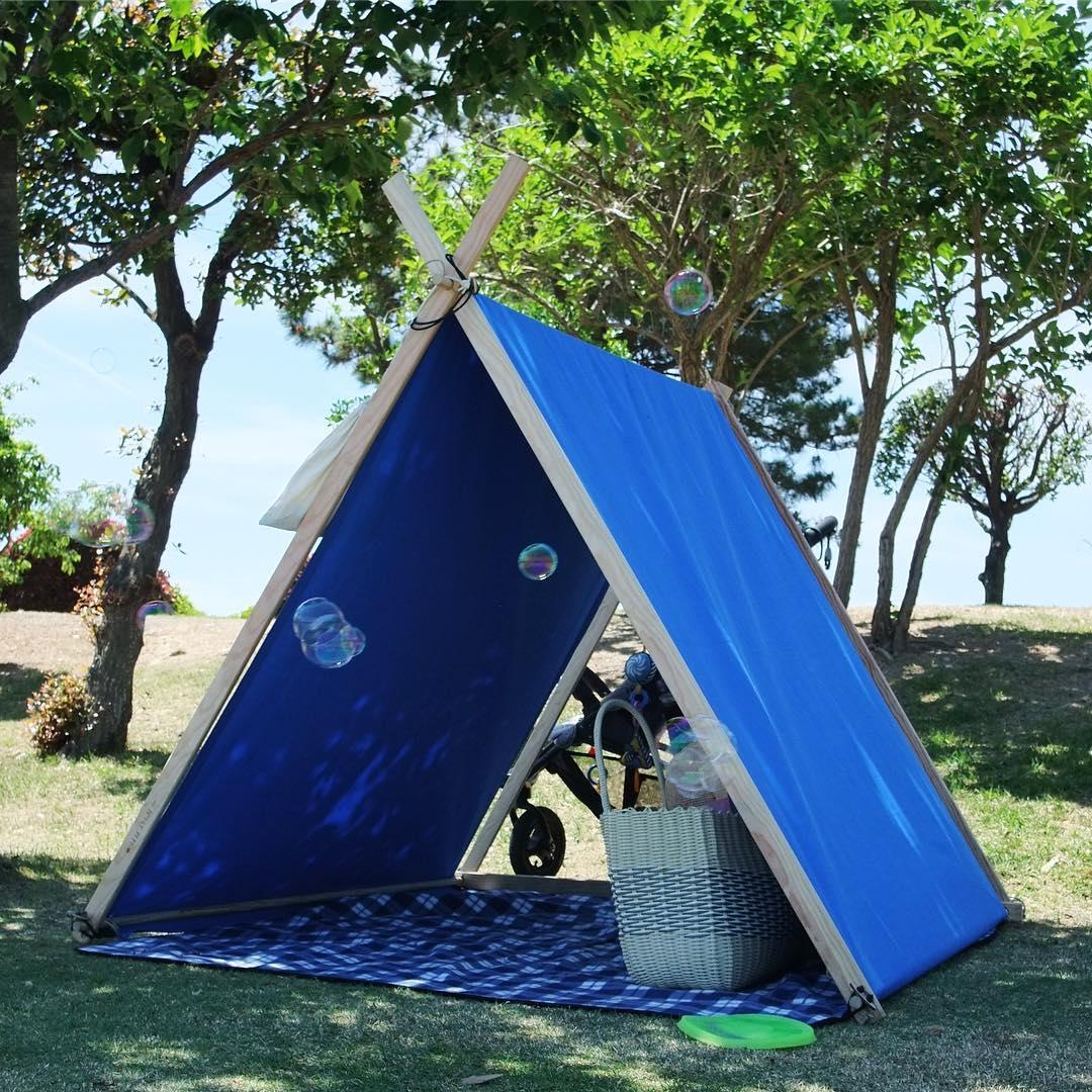 ゆったりしたテントの中は、慌ただしい日常から切り離された、自分だけの世界のよう。「帆布テント」|LA TENTE ISLAISE(ラ・タント・イレーズ)