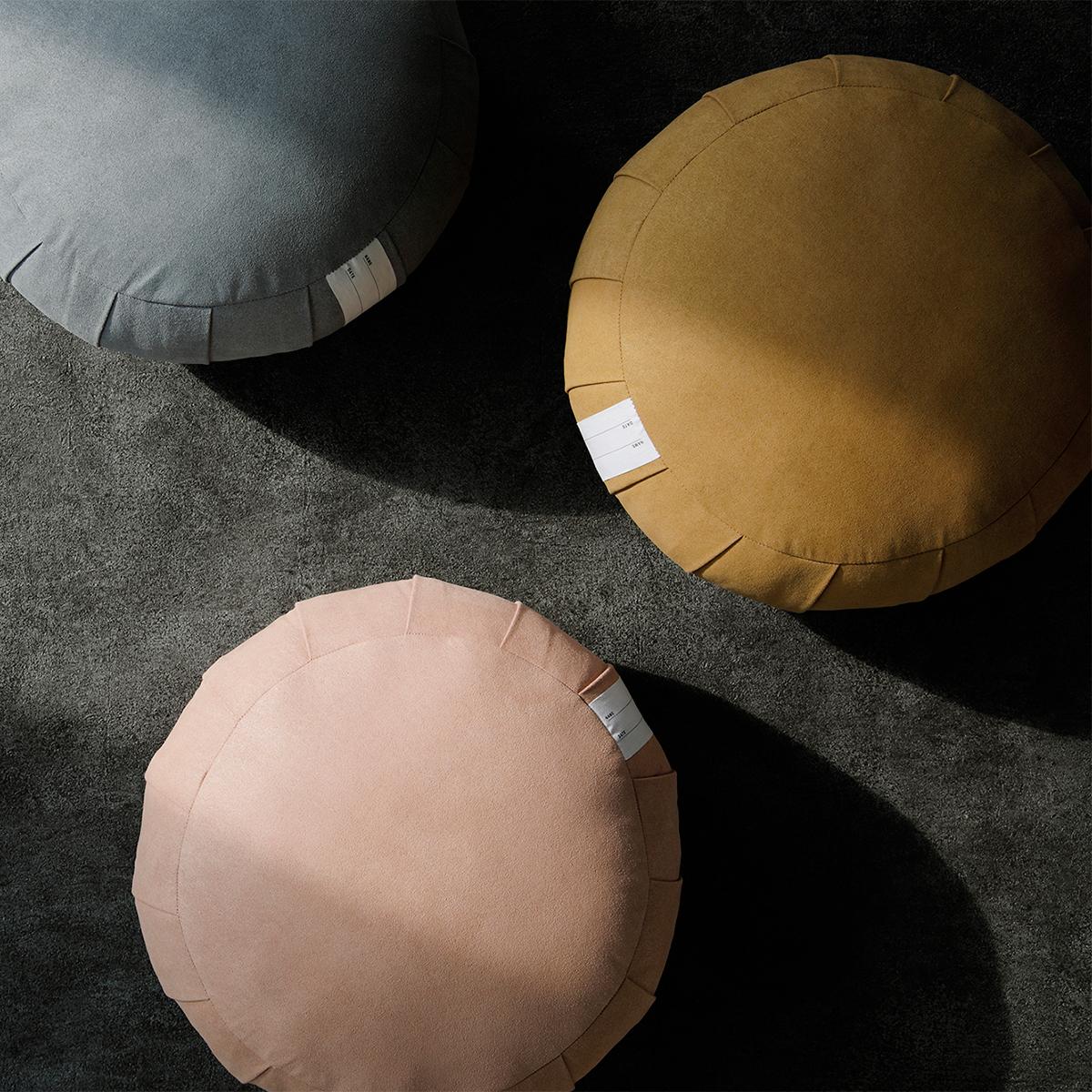 僧侶が坐禅を組むときに使う「坐禅蒲団」と同じ伝統的製法で作られたクッション坐禅蒲団(坐蒲)・瞑想用クッション| ZAF(ザフ)