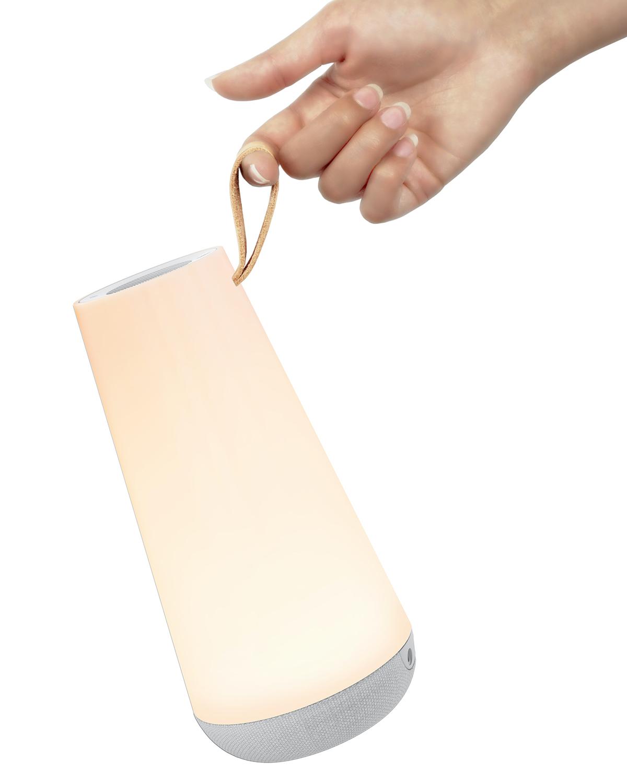手触りのよい、上品な仕上げのレザーストラップがついています。「音」と「光」の調和するワイヤレスHi-Fiスピーカー|Pablo UMA MINI