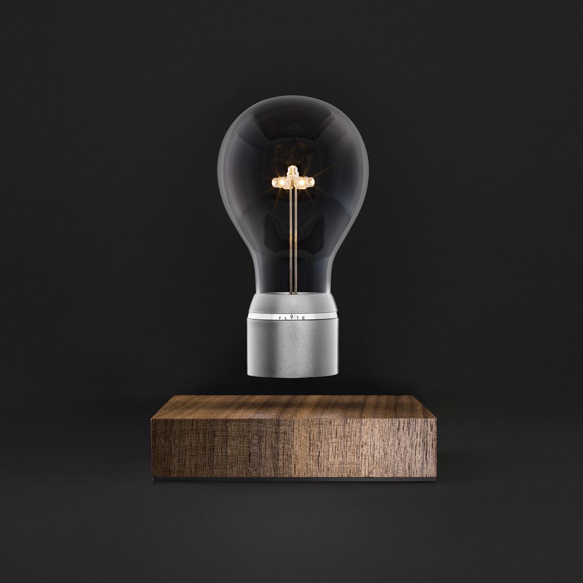 磁力で宙に浮くLED電球(Manhattan) | FLYTE