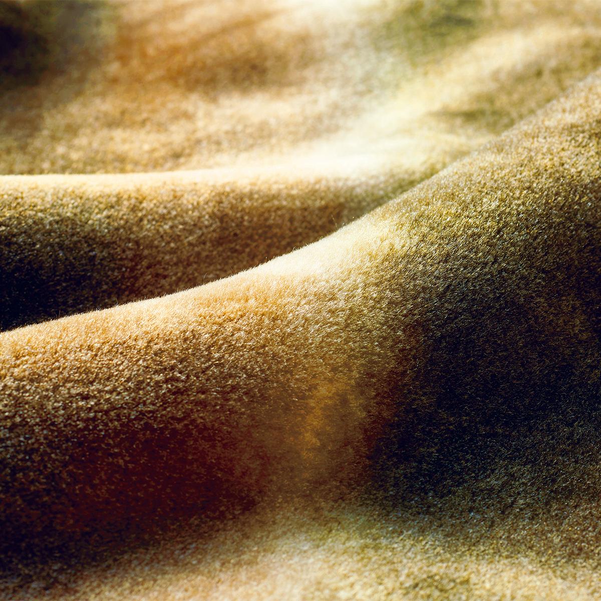 肌触りも格別。触れると、しっとりとしたなめらかさは、まるでビロードのよう。暖かさはもう当たり前、軽さとなめらかさも実現した「毛布」|CALDONIDO NOTTEⅡ(カルドニード ノッテ)