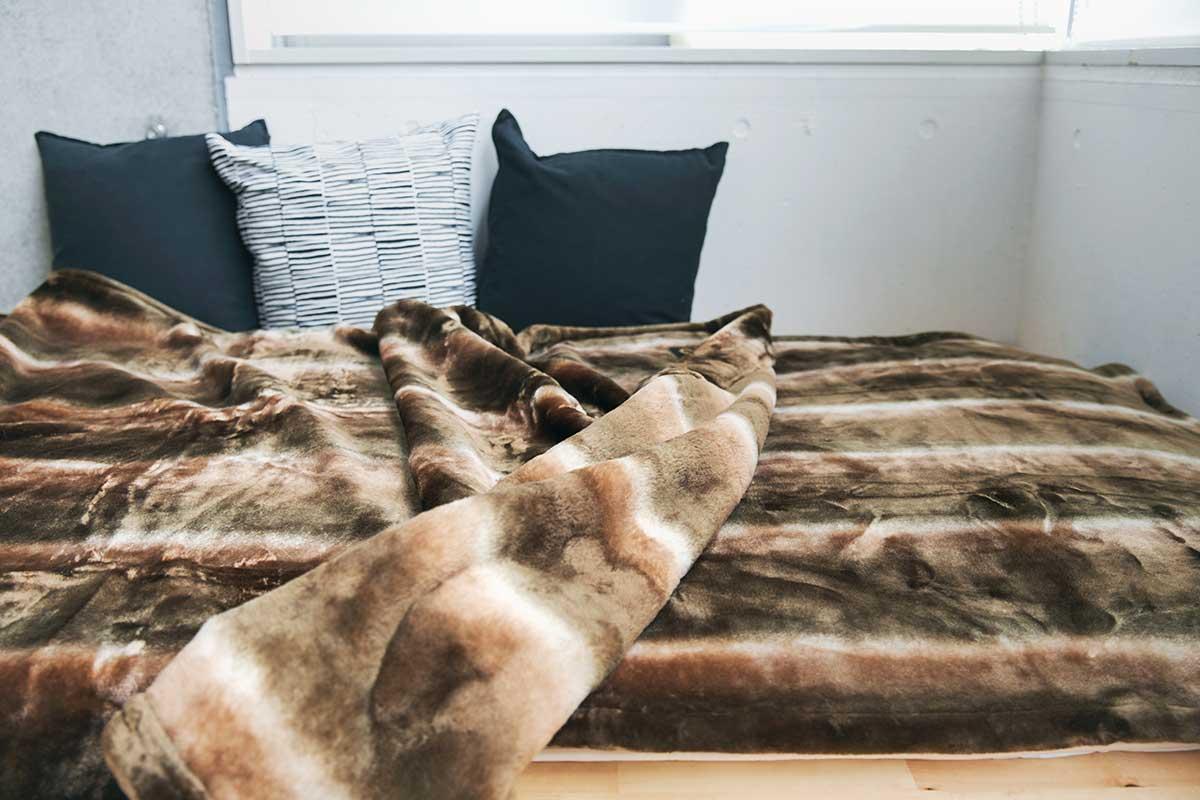 軽さも特筆モノ。肩が凝らない、寝返りがしやすい、寝心地抜群。暖かさはもう当たり前、軽さとなめらかさも実現した「毛布」|CALDONIDO NOTTEⅡ(カルドニード ノッテ)