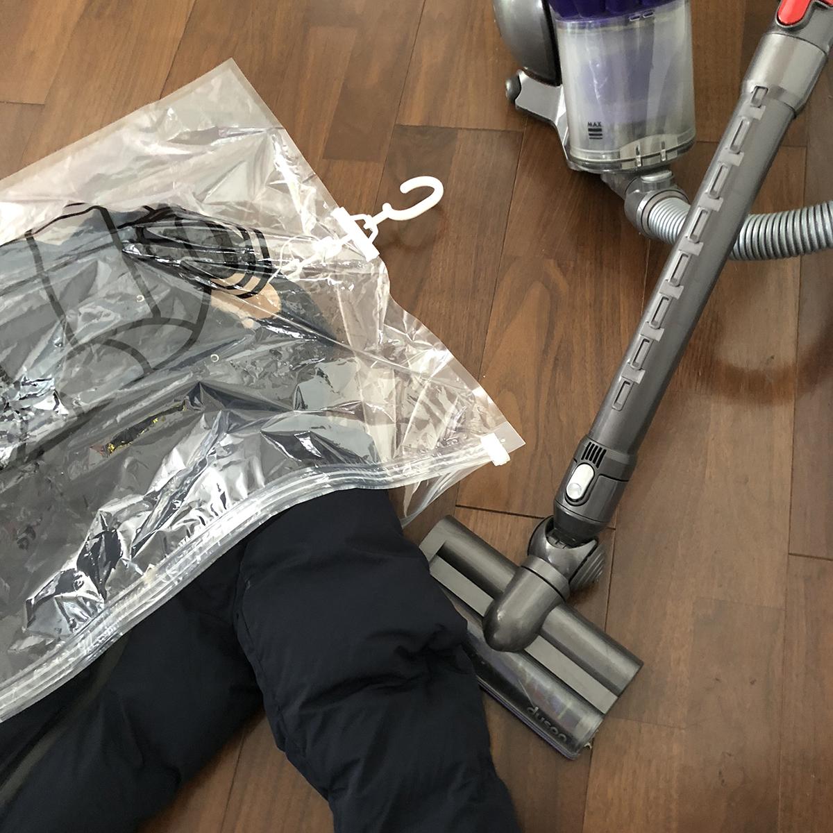 1.ハンガーごと収納OK、シワ・型崩れ知らずの衣類圧縮バッグ|vacuum seal hanging bag