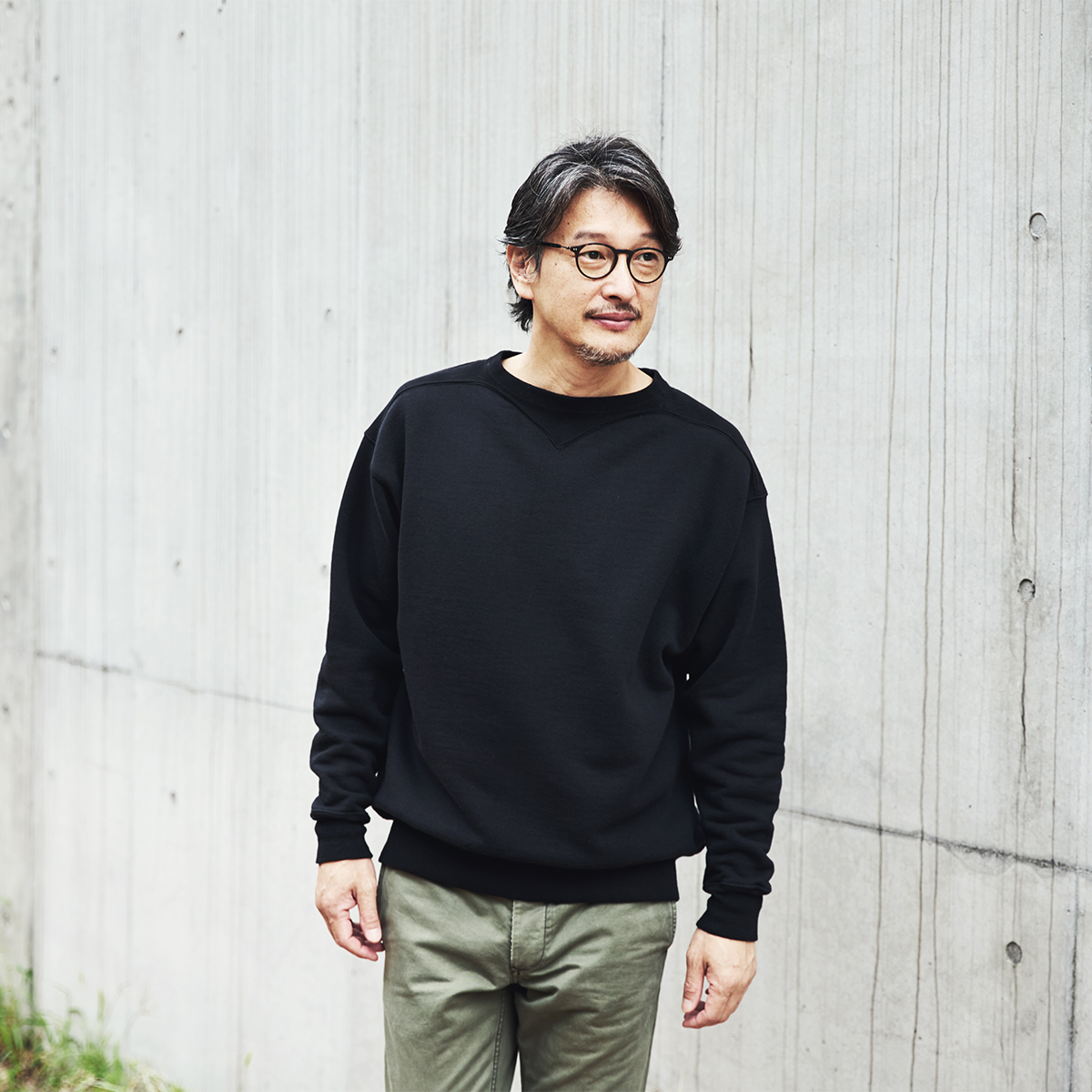 経年変化したヴィンテージアーカイブから読み解くスウェットの名作。スポルディング社の名作から、現存していない「ブラック」をMade in Japanで「フットボールシャツ」|A.G. Spalding & Bros