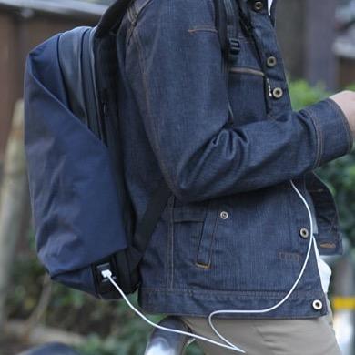 スマホを充電しながら移動できるスマートリュック(バックパック)|Wexley(ウェクスレイ)