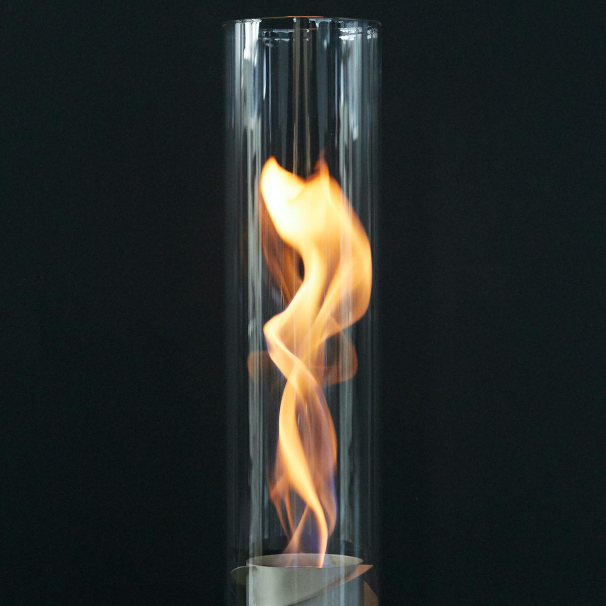 煙突効果で炎が廻りながら上昇!煙が出にくい安全燃料の「テーブルランタン&ガーデントーチ」|Hofats SPIN(ホーファッツ スピン)