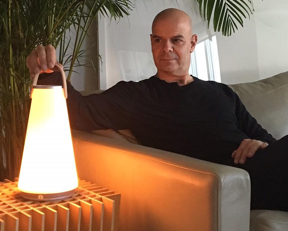 LED照明がインテリアに溶け込む、ワイヤレススピーカー