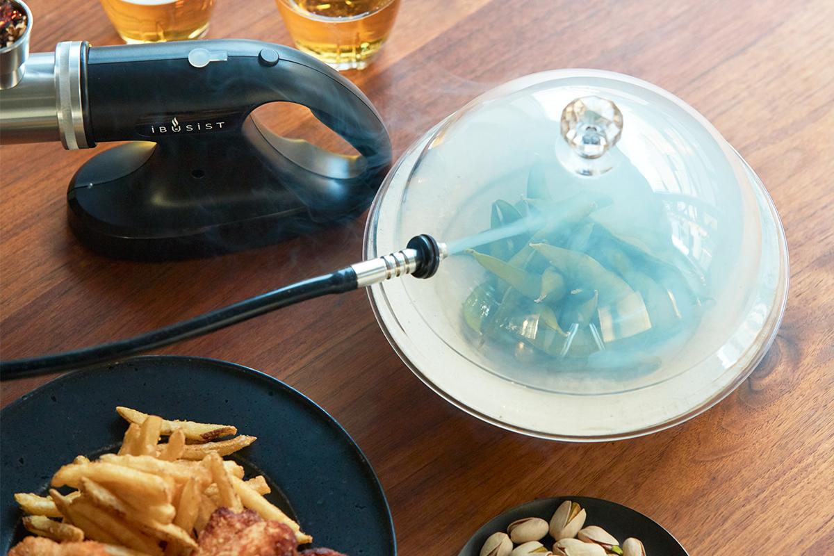 誰でも手軽にできて、感動的に変化する「燻製器」IBSIST(イブシスト)