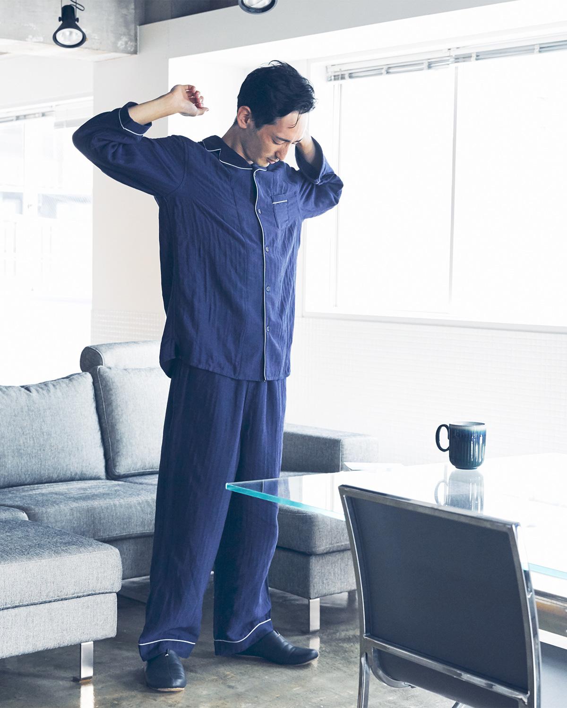 眠りを邪魔しない絶妙なサイジング。柔らかいスローガーゼにうっとり、光触媒の作用で汗臭・加齢臭の原因菌を分解するパジャマ|sleepwear relax(スリープウェア リラックス)