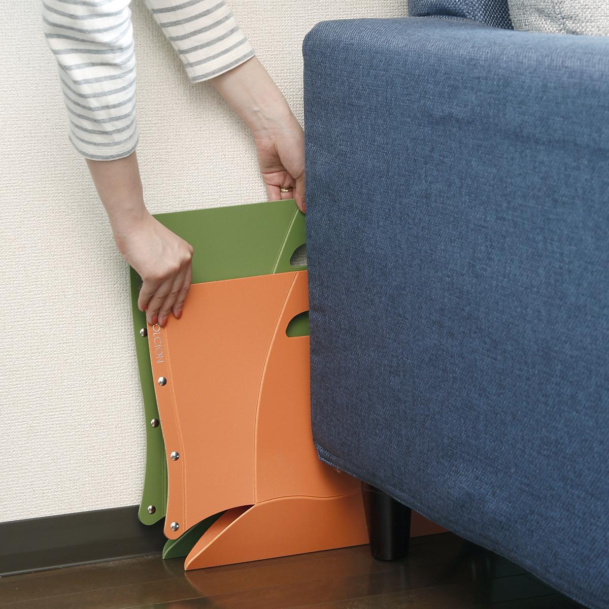 バッグや本棚の隙間やソファやベッドの隙間、収納場所を選ばない、どこにでも持ち歩けるイス|PATATTO