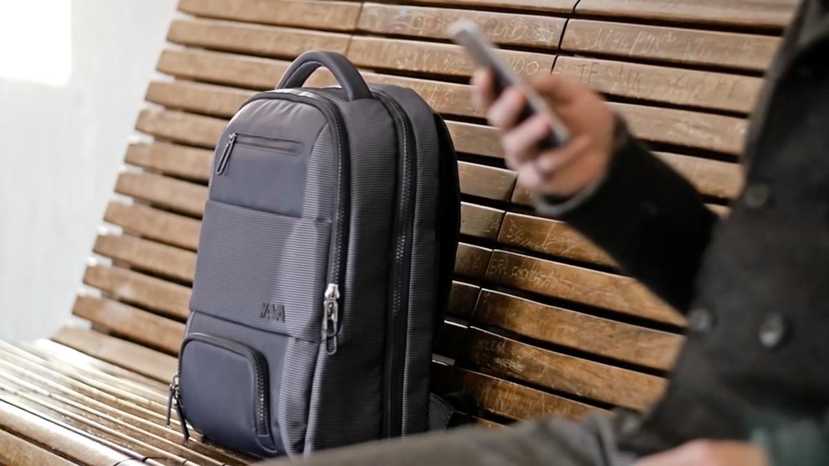 機能的で洗練されたビジネスグッズを手がけるNAVA Designによる、機能的で洗練されたバックパック|NAVA