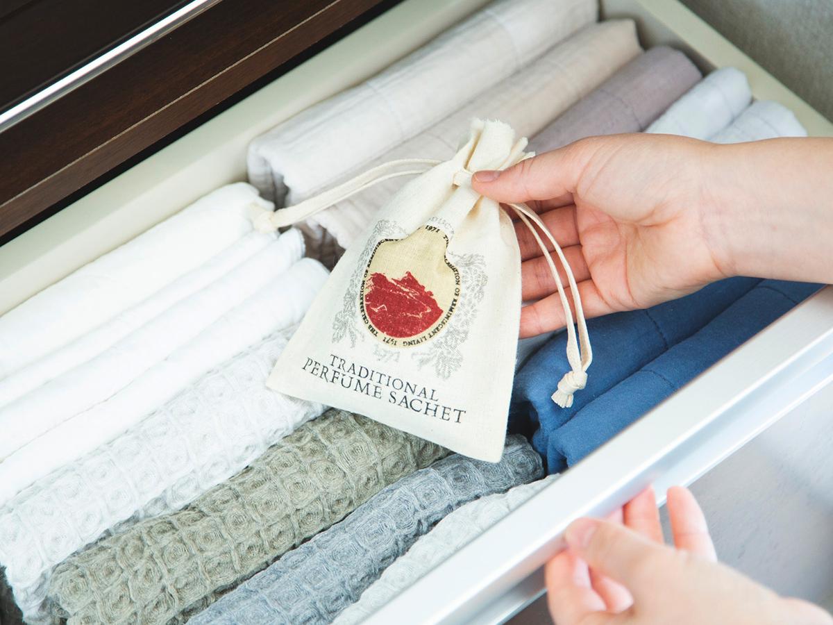 衣服やベッドリネンに香り付けできるサシェ・匂い袋・香り袋|タイ王室御用達のアロマブランド『KARMAKAMET(カルマカメット)』