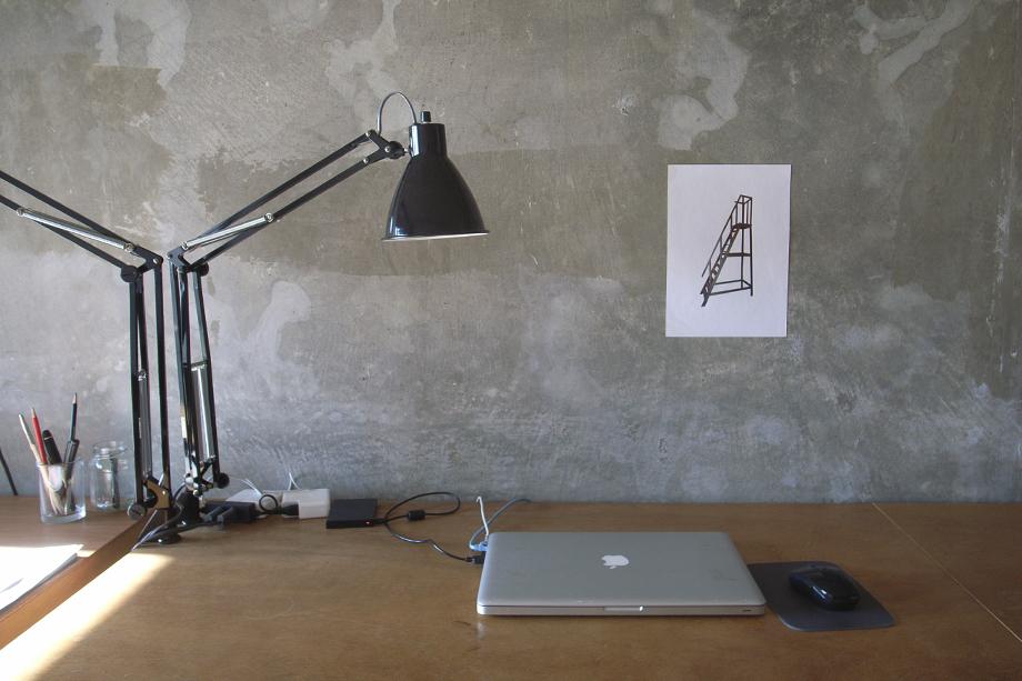 イメージは「旅する家具」。どんな時も、バラシと組立てがすぐできて、好きな場所へ移動できる、フレキシブルな家具|DUENDE WALL RACK(デュエンデ ウォール ラック)
