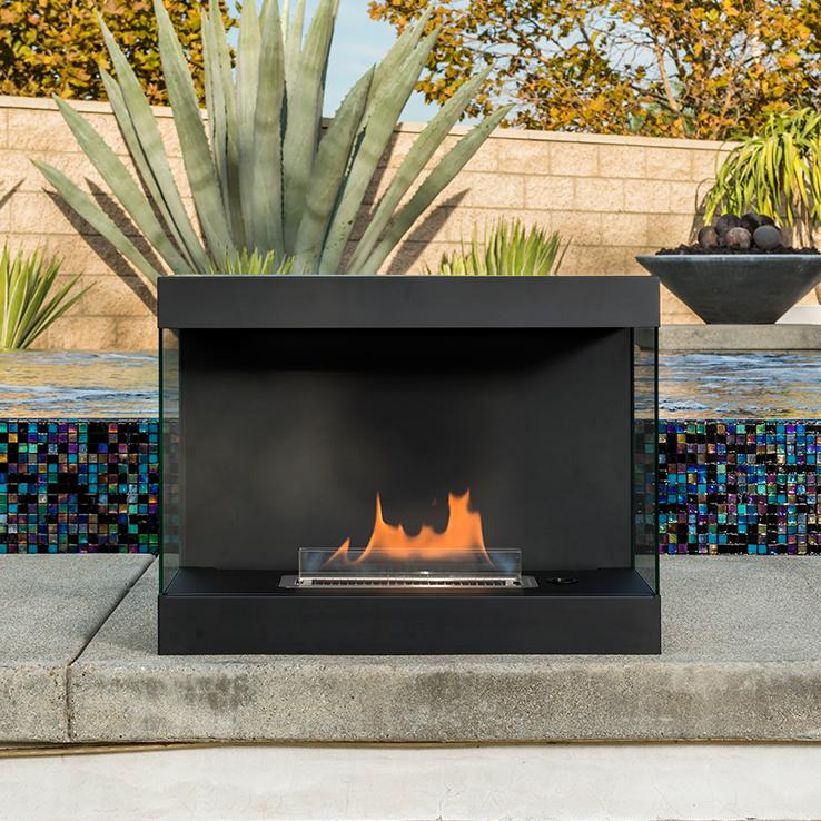 安全にこだわった燃料と特許設計。簡単に設置できて片づけいらず、ニオイも煙も出ないから、家のどこにでも置けるバイオエタノール燃料を使った「暖炉」|LOVINFLAME VENTFREE