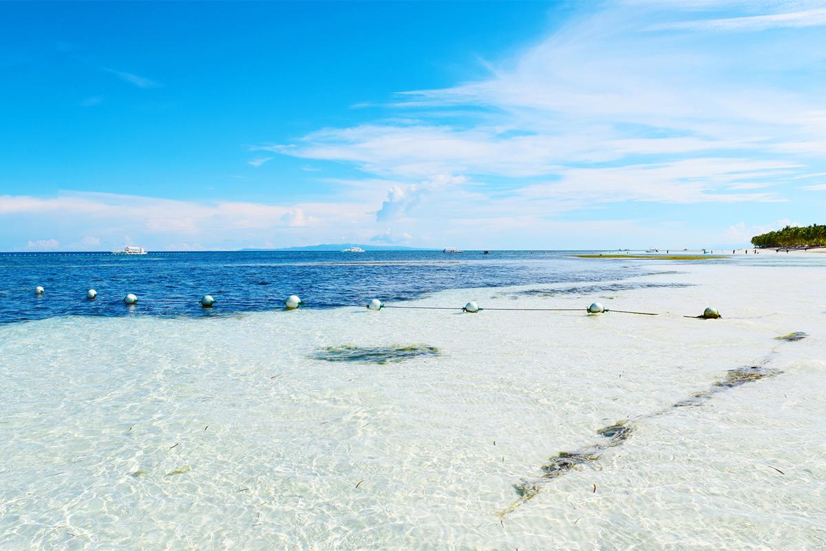 CEBU(どこまでも広がる白い砂浜が清々しい)がテーマのビーチサンダル|九十九サンダル