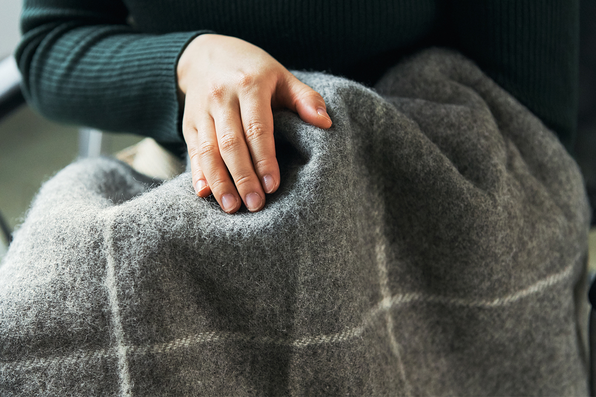 膝にフワッとのせた途端、なんて心地よい暖かさ!本品の素材は、「ゴットランドシープ」100%です。膝掛け(ひざかけ)|デンマーク王室御用達のSilkeborg(シルケボー)