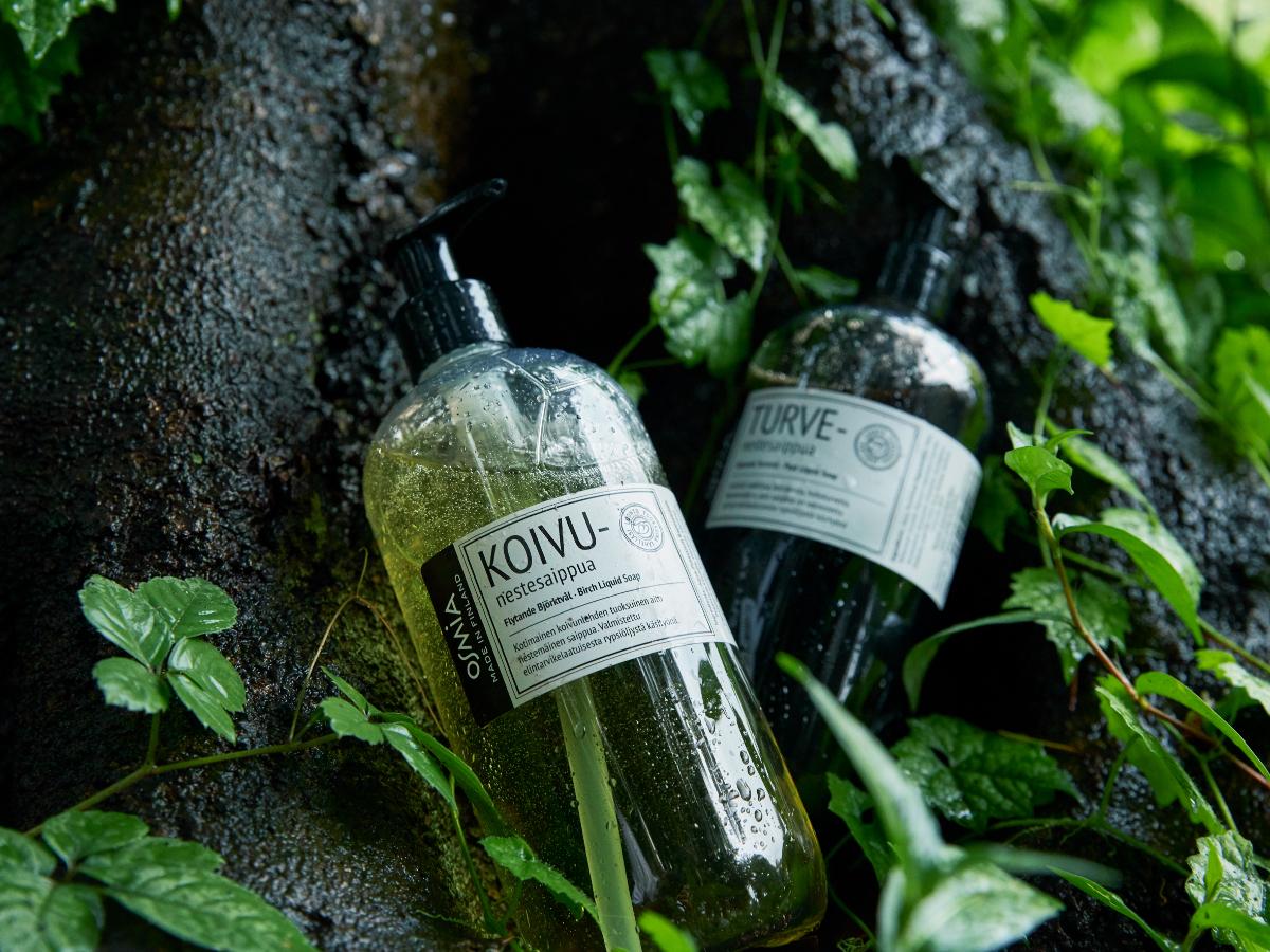 フィンランドが一年でもっとも美しく、楽しい季節の香り|バスルームがフィンランドの森になる、「白樺の若葉」と「森の土」の香りのボディーソープ|OSMIA(オスミア)