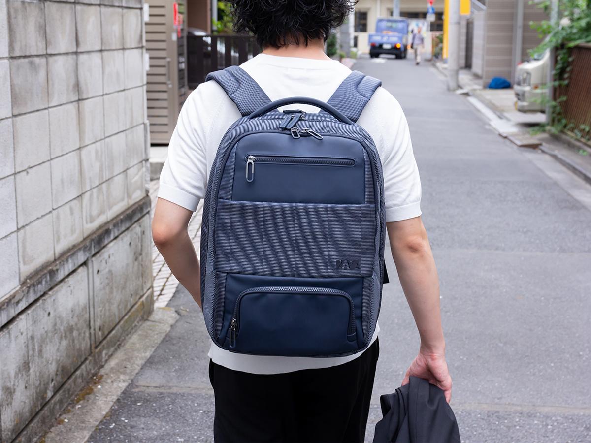 夏なら2泊分の出張用荷物が余裕で収まる。出張や旅行にぴったりのバックパック|NAVA