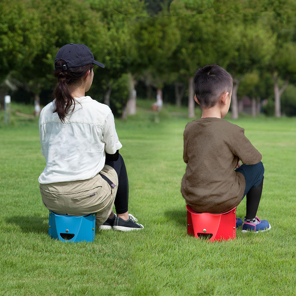 ピクニック、運動会、バーベキューなど、幅広いシーンで重宝。軽くて丈夫なのにコンパクトに薄く畳める、どこにでも持ち歩けるイス|PATATTO
