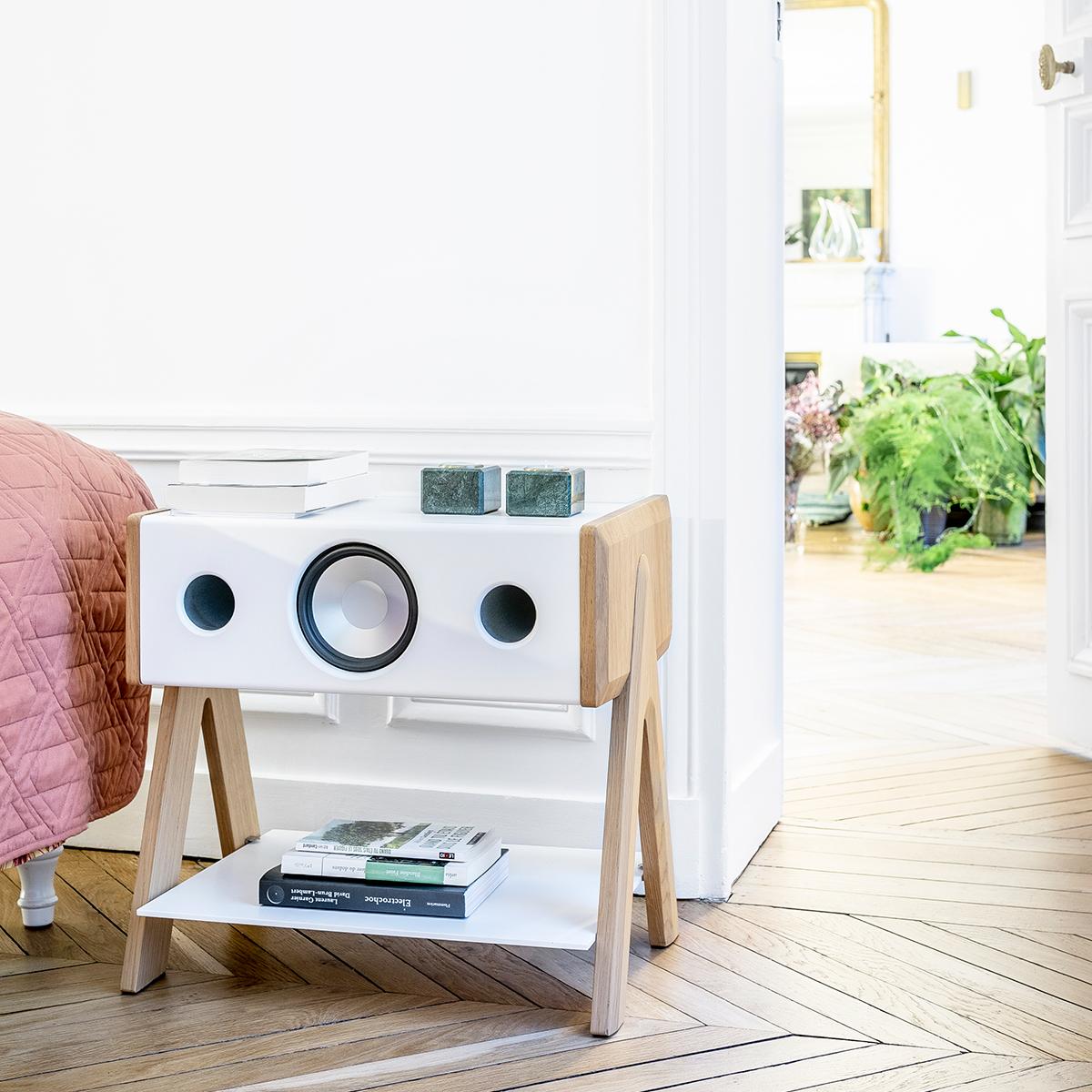 臨場感のある音が、コンパクトなスピーカーから生まれる。美しい家具のような高級スピーカー・オーディオ家具|La Boite Concept CUBE(ラ ボアット コンセプト キューブ)