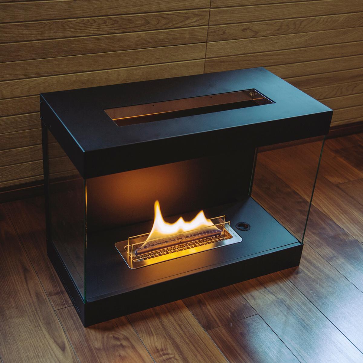 家族との団欒で、友人たちを呼んでのホームパーティーで、仲間たちと囲むのに、ぴったりのサイズ。家のどこにでも置けるバイオエタノール燃料を使った「暖炉」|LOVINFLAME VENTFREE