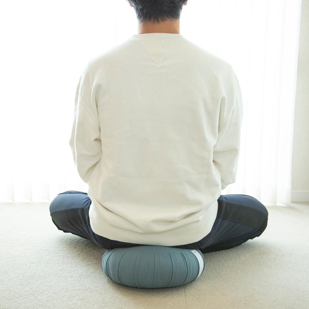 日々のパフォーマンスを上げるマインドフルネス習慣。坐禅蒲団(坐蒲)・瞑想用クッション| ZAF(ザフ)