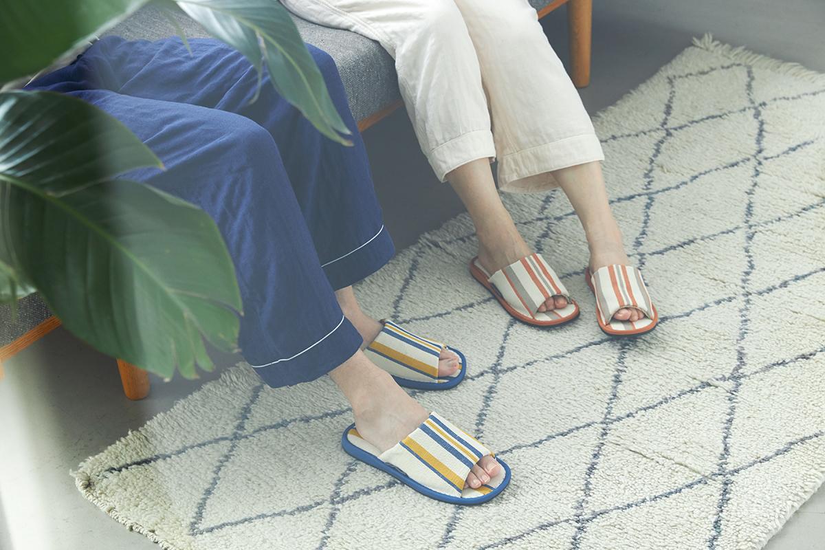 湿気の多い日本の夏にぴったり 何度も洗えてサラサラの肌触り。夏にぴったりな高島帆布で作られたスリッパ LOOM&SPOOL(ルームアンドスプール)