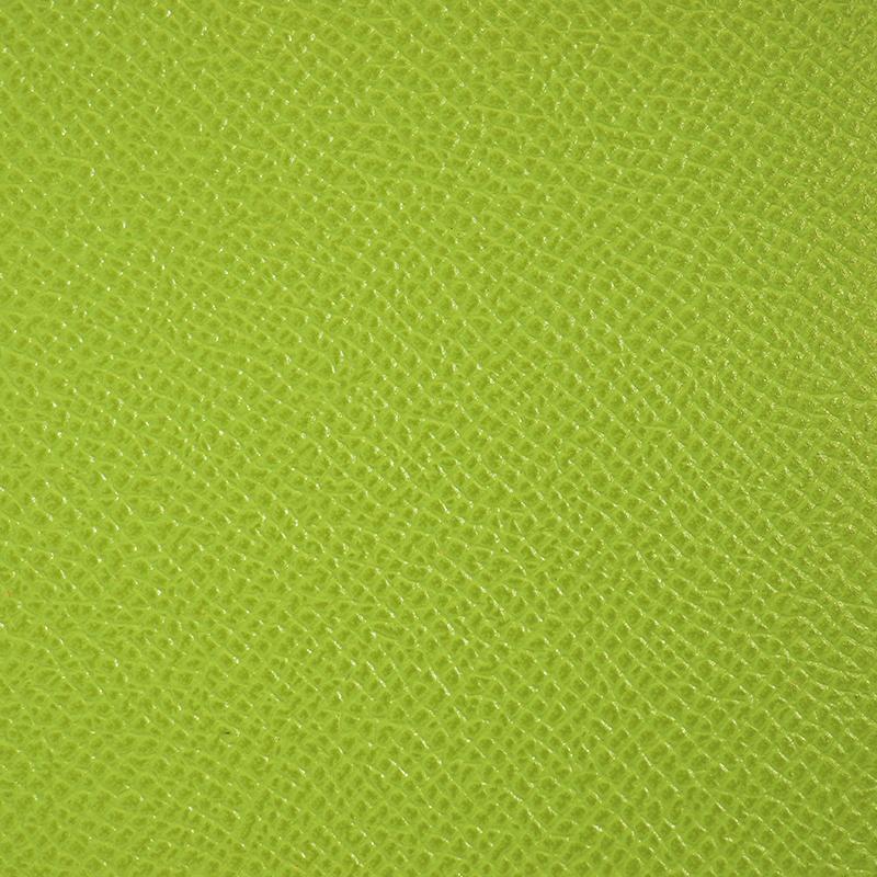 鮮やかな色使いのドイツカーフの「鍵をなくさないキーホルダー」の素材