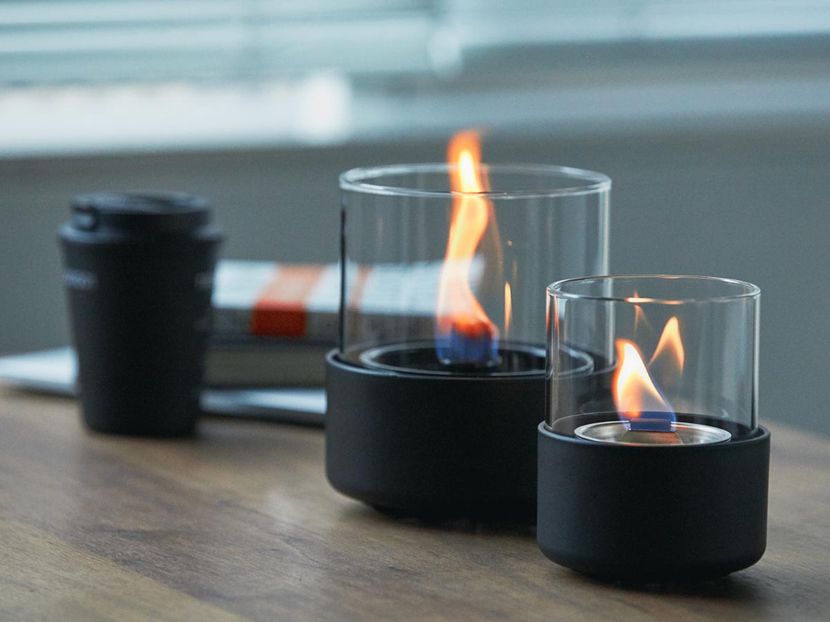 驚きの燃焼テクノロジーです。ニオイや煙が出ず、倒しても安心の特殊燃料で手軽に楽しめる!「卓上ランプ、テーブルライト」|LOVINFLAME(ラヴィンフレーム)