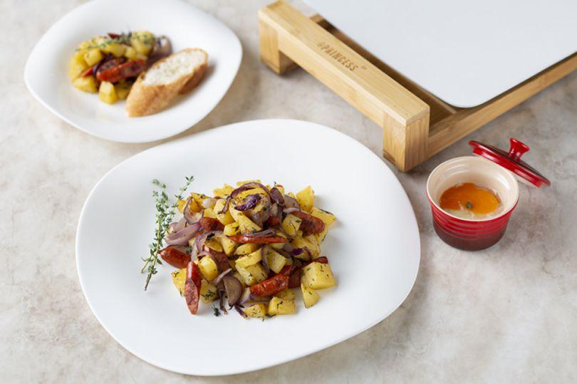 好きな食材を切って、プレートに乗せるだけで美味しい料理ができるテーブルグリルプレート・ホットプレート|PRINCESS社 Table Grill Mini