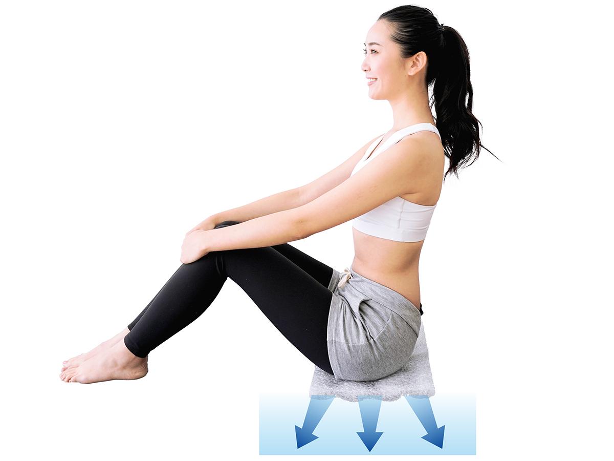 弾力のある座り心地は、再生可能なポリエチレン樹脂を、特許技術で立体的に編んだ『E-CORE』素材から。長時間のデスクワークも気持ちいい!ポリエチレン樹脂を編んだ「弾力凹凸マット」|リカバリーマット
