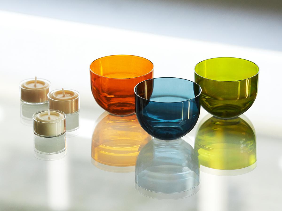炎の光を透過するクリアカラーの美しいカップは、安定して水に浮く設計。のカメヤマのバスキャンドル。効果的に入浴するための7つの方法とグッズ|目の疲れや肩こりを解消、自律神経を整えたい方に